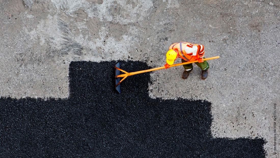 Asphalt oder Betonplatte zur Flächensanierung – was ist besser?
