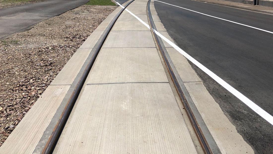 Bahnübergang mit geringer Einbauzeit