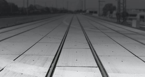 CROSS STELFUNDO RAIL – GRUNDLEGEND AUF DEM RICHTIGEN GLEIS